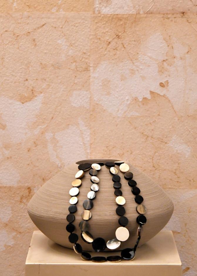 Taglia Unica Collana in piuma di corno Corno  Misura h 13 x Ø 26   Vaso Moderno Cotto Elaborato