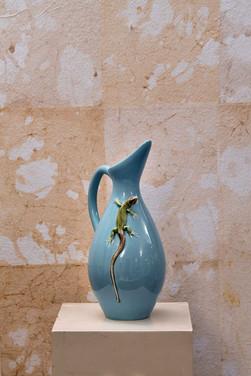 Misure  Ø 16  x  h 31      Brocca decoro salamandra     Ceramica   Hand Made      Produzione artigianale portoghese