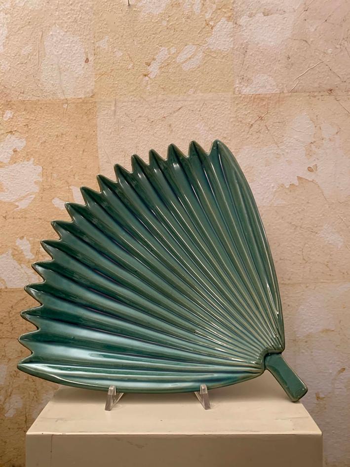 Misure l 35,5 x  p 34,2 x h 4    Vassoio Palma    Ceramica