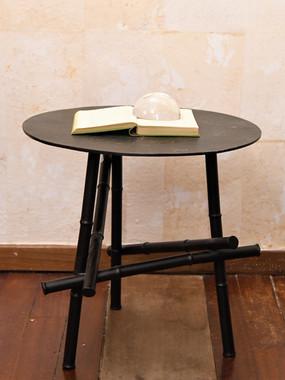15 Misure 52 x 51     Tavolino nero metallo lavorazione bamboo     Metallo dipinto