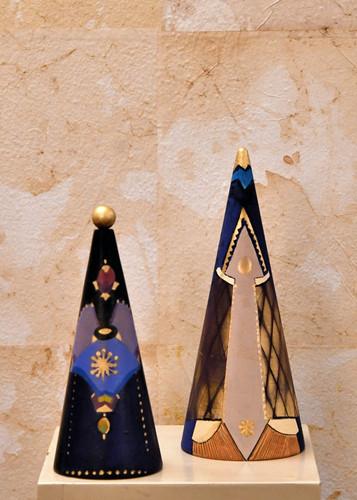 Misure  Ø9 x h22  e Ø11 x  h26 Pini Natale decorazione tavolo Legno dipinto a mano