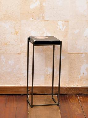 11 Misure 22 x 22 x 54    Tavolino quadrato piano a effetto marmo    Metallo e marmo