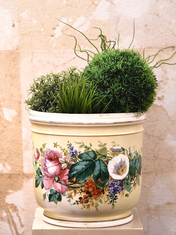 Misure  Ø  24 x h 24,5     Cachepot decoro fiori     di gusto ottocentesco    Ceramica