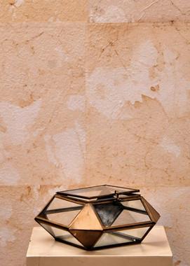 Misure  18 x 18  Scatola vetro e ottone Vetro e ottone