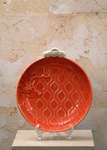 Misure  Ø23 Piatto rosso disegno cervo  Ceramica - handmade