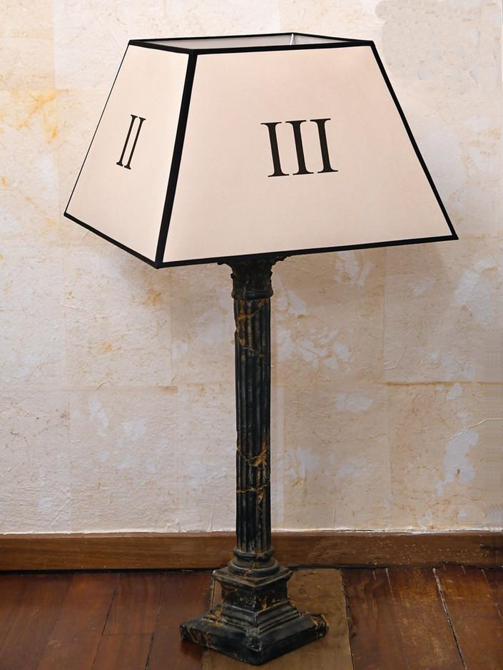 16 Misure colonna 70 x 78       Misure cappello 30 x 49 x 32      Lampada colonna con cappello