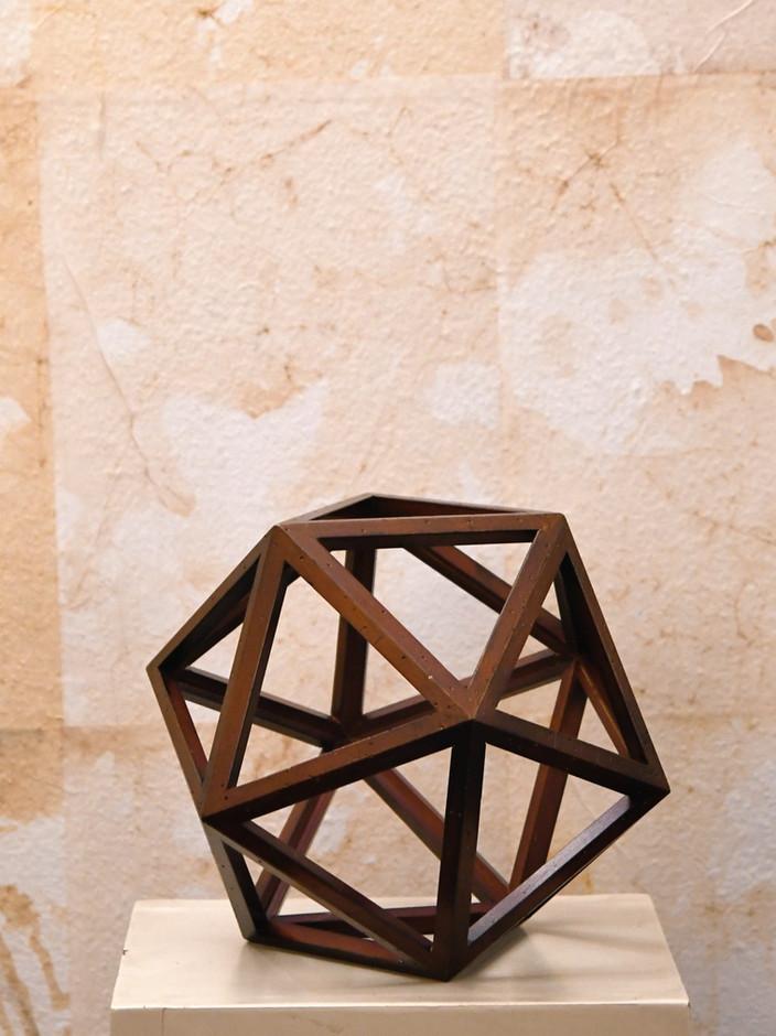 Misure  Ø 25    Oggetto geometrico    Dodecaedro di Leonardo    Legno