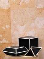 Misure (il più grande) 12 x12   Serie geometrica di tre elementi  Legno