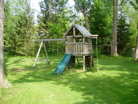Trent River Cottages Playground