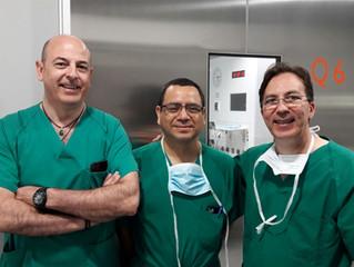 Nuevamente un cirujano Latinoamericano visita al Dr. Resa, para aprender en el propio quirófano, la