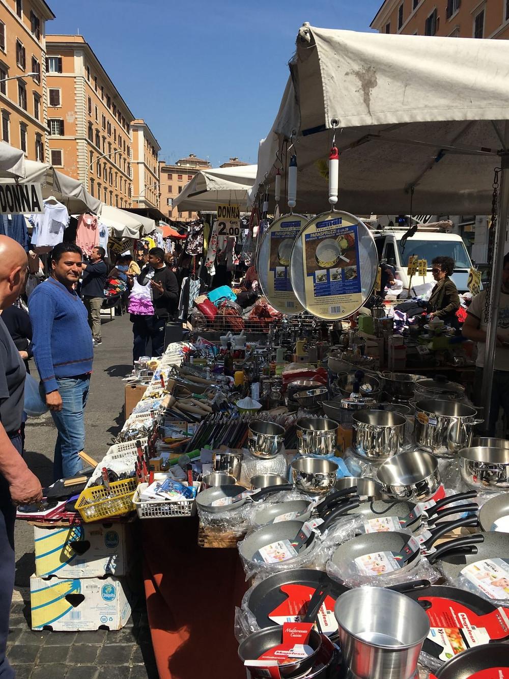 bargain at market, rome market