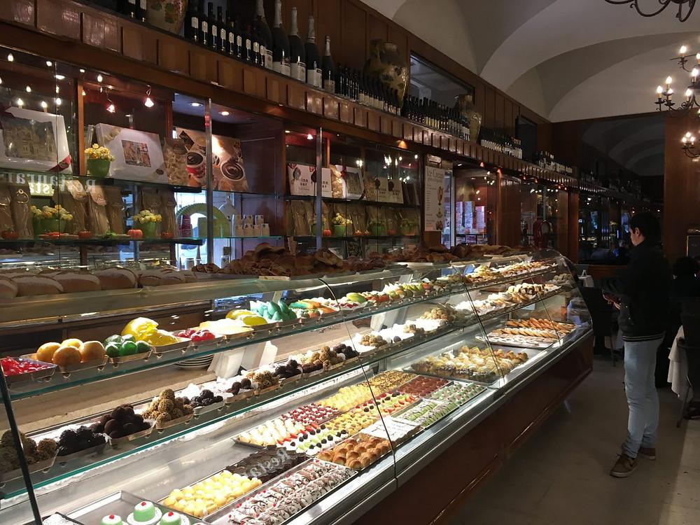 Rome bar, Rome cafe