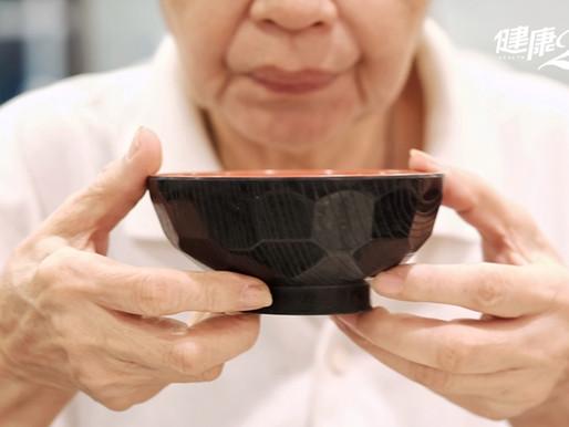 【新聞分享】吸入性肺炎可致命!正確用餐姿勢要注意