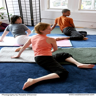 Those of any age and ability can benefit. Feldenkrais Method® helps chronic or acute pain & healthy individuals to enhance their movement abilities. Feldenkrais can help improve life, vitality, agility, & enjoyment. Feldenkrais Toronto and Sue Seto can enhance performance in judo, MMA, sports & the arts. Feldenkrais Toronto West & Feldenkrais Method neuro movements rewire brain to improve posture & mobility, reduce chronic joint pain, acute back pain, knee, hip replacement, improve balance, neurological disorders. Moshe Feldenkrais Method helps chronic or acute pain & enhance movement abilities. Feldenkrais Toronto West somatic education classes in neuroplasticity, stroke, improves recovery from surgery discomfort, walk move better & senior fall prevention. ATM Awareness Through Movement, Functional Integration help sports injury pain & dance. Sue Seto Guild Certified Feldenkrais Practitioner. Roncesvalles & Bloor West Village public classes. Private small group ATM classes. One on one