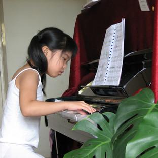I love playing piano.