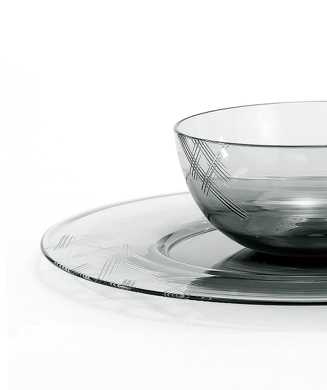 ShakerAndSalt-bowldetail.jpg