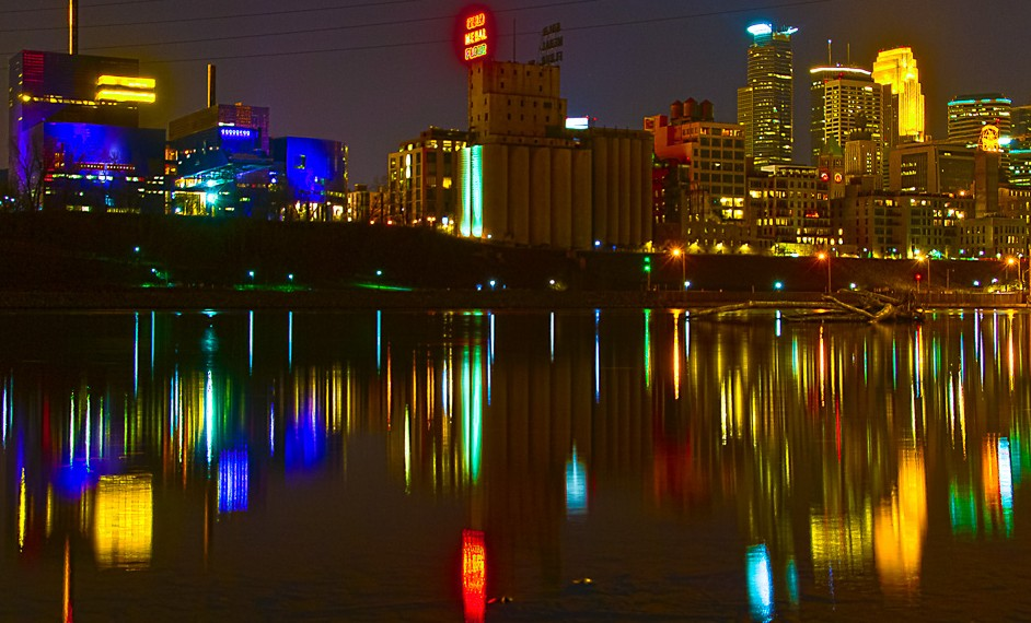 7391_minneapolis_night crop 3