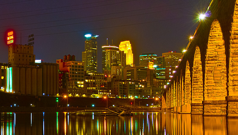7391_minneapolis_night crop 2
