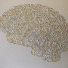 Brain template with colourless droplets
