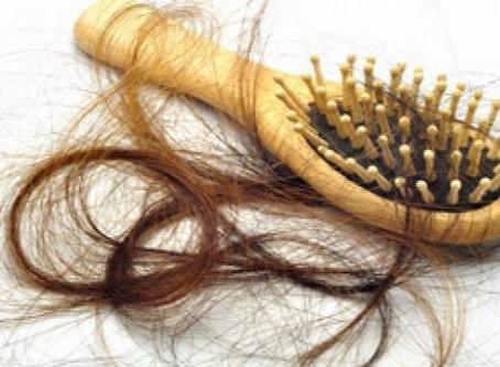 Chute de cheveux, causes et solutions