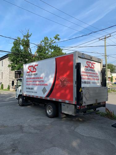 Camion cube 16 pieds à hayon hydraulique