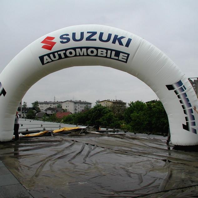 Bogen Suzuki.jpg