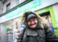 Homeless in front of a pharmacy from the network Le Carillon