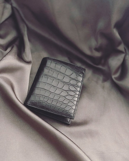 Exotic Bifold Wallet Multi-Use