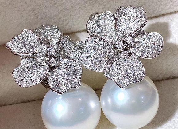 Australian South Sea White Earrings with 18K White Gold and Diamonds
