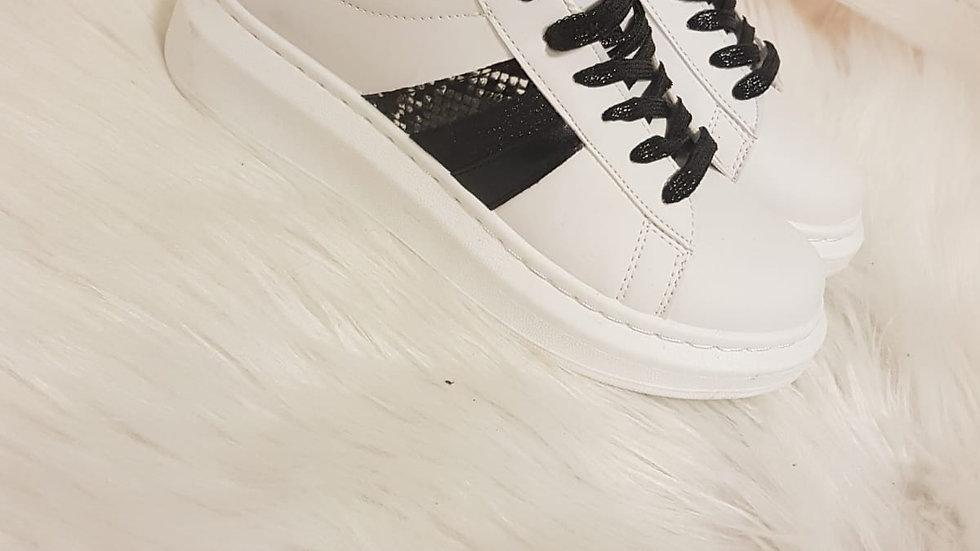 Baskets alexender black & White