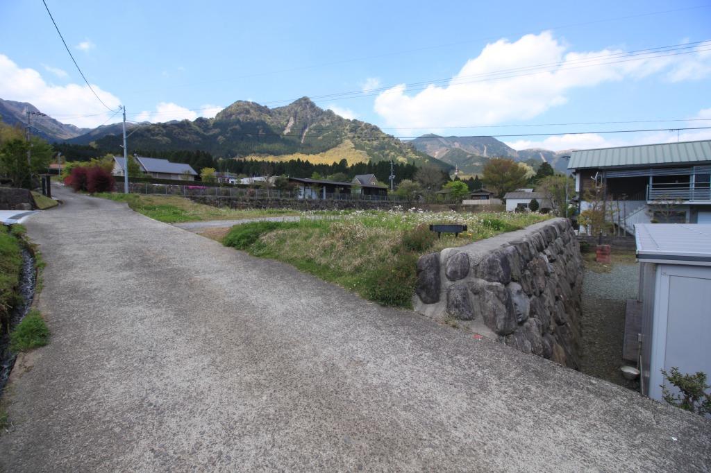 北東側境界の石垣