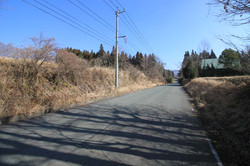 敷地南側の広域農道