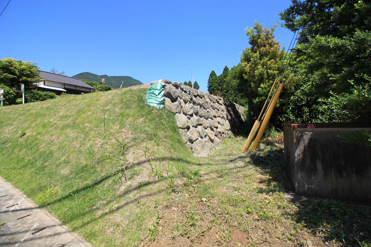 東側境界の石垣
