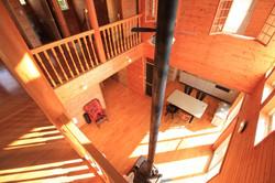 二階から見た一階の様子
