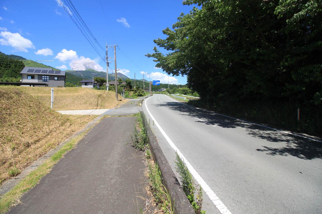 分譲地東側の県道39号線