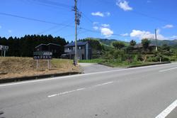 県道からの分譲地入口