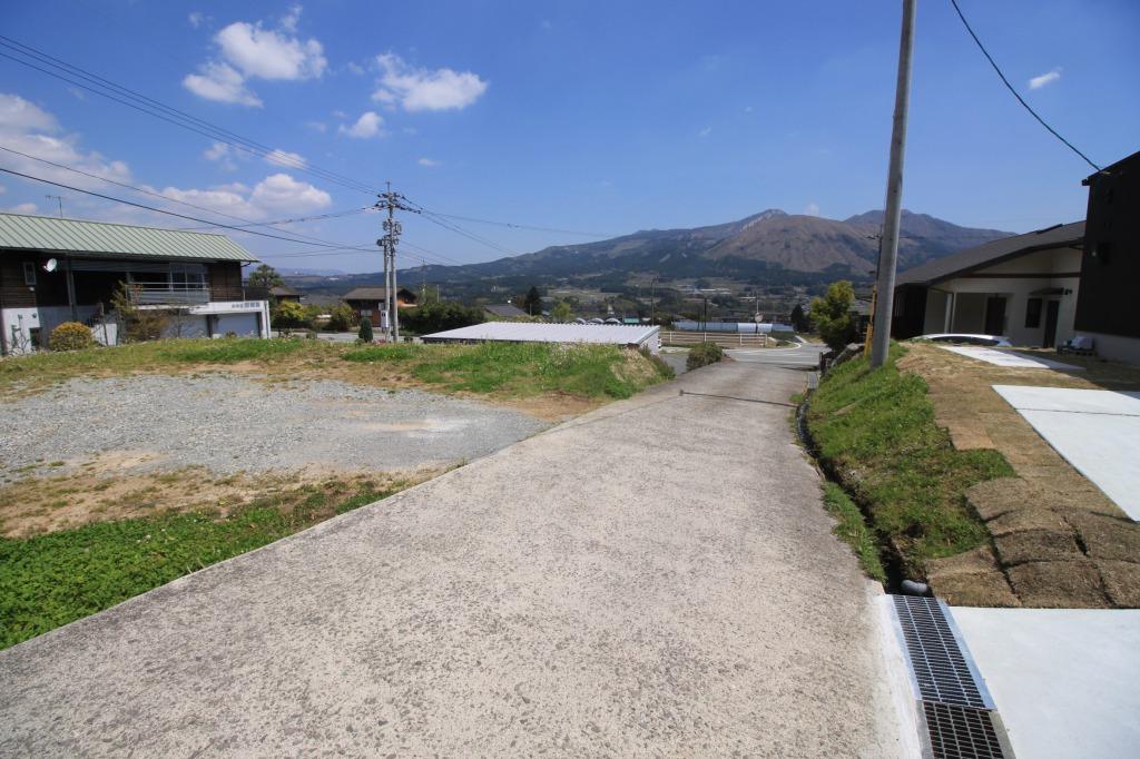 南東側の接道