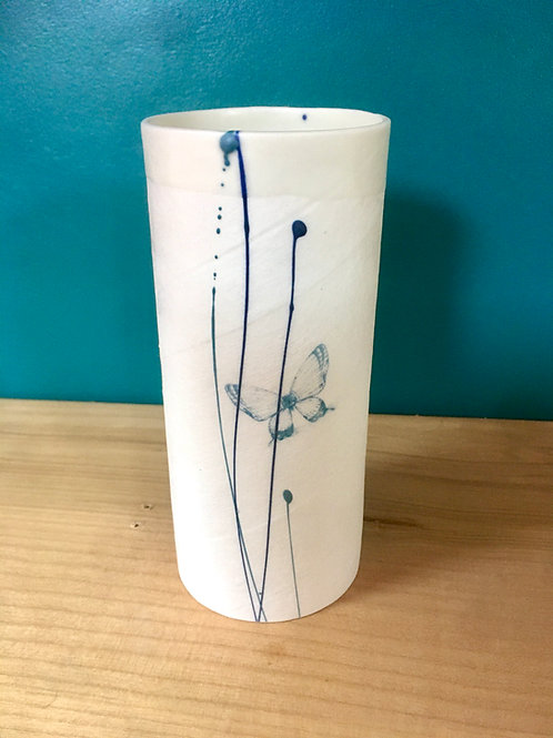 petit vase en porcelaine papillon