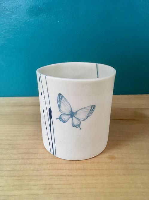 Tasse à thé cylindre papillon