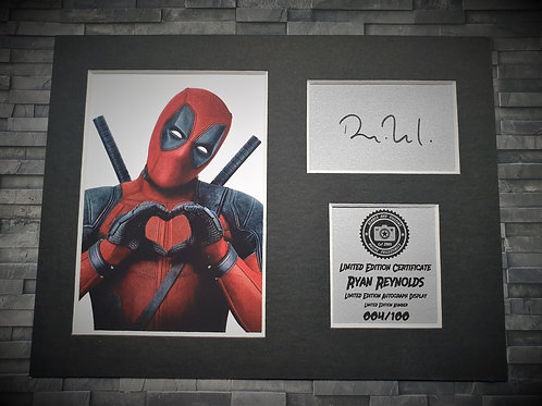 Ryan Reynolds Signed Autograph Display - Deadpool