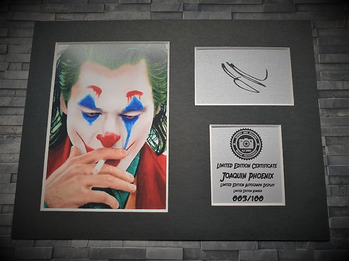 Joaquin Phoenix Signed Autograph Display - The Joker