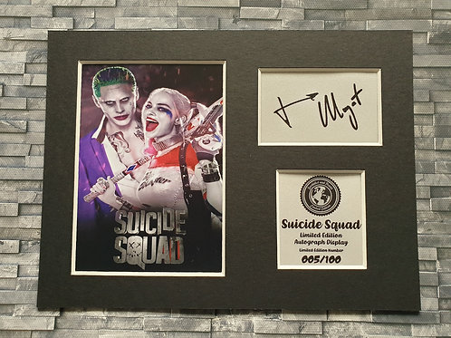 Suicide Squad Signed Autograph Display - Joker and Harley Quinn - Leto - Robbie