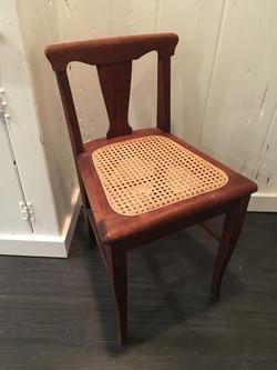 Small-footprint chair