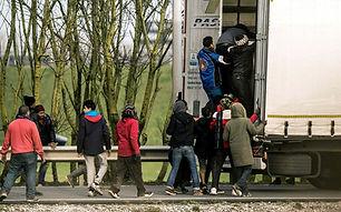 96910305_migrants_trans_NvBQzQNjv4Bqeo_i