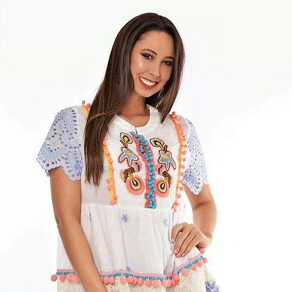 Vestido de algodon con finos bordados