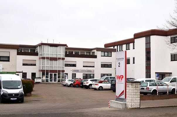 Parkplatz der WWP Werbung Friedberg