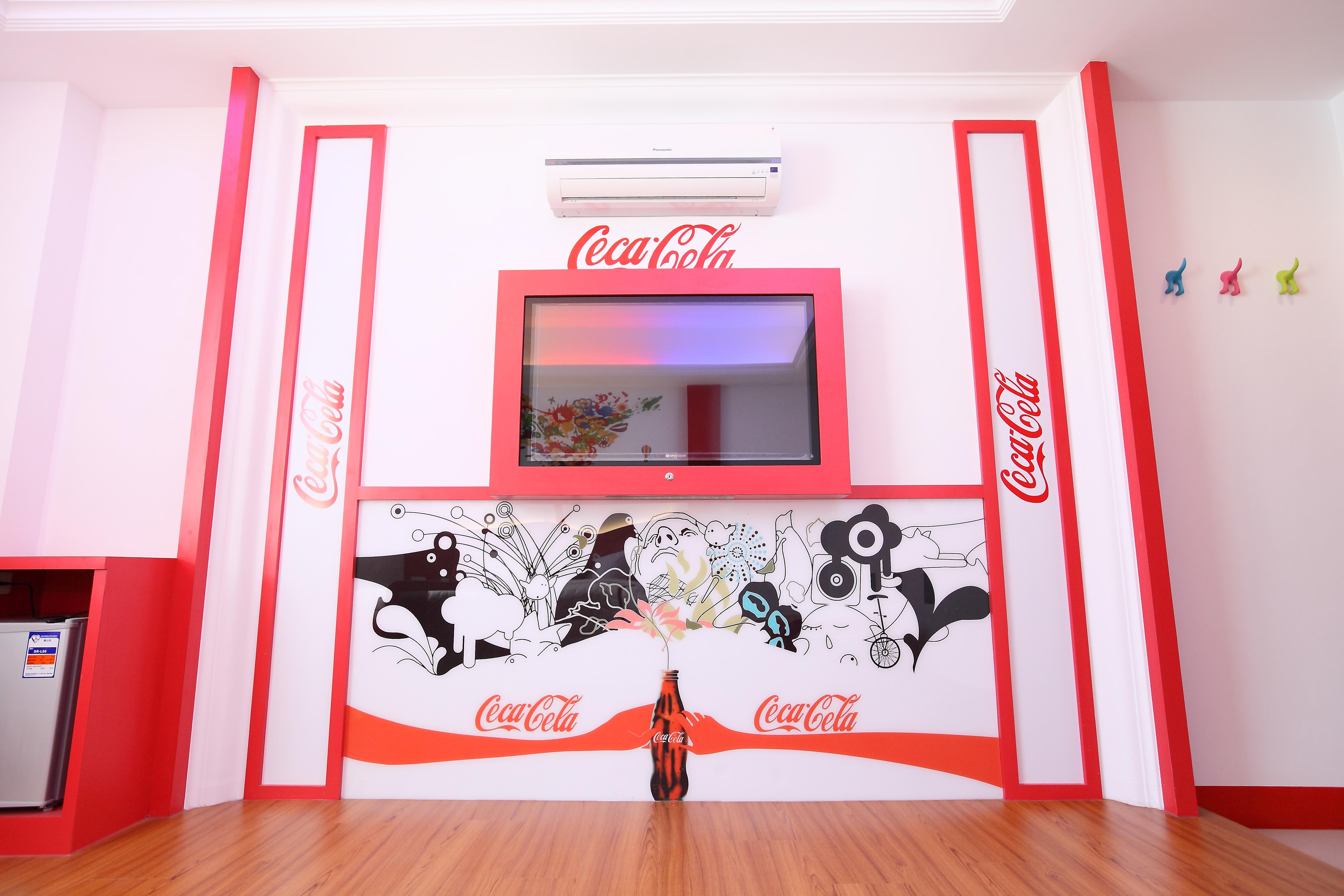 可樂兩人房塗鴉