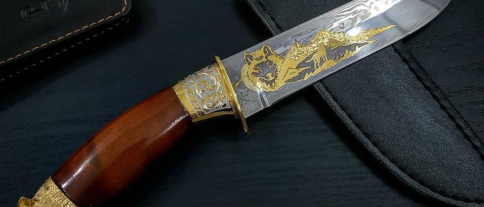 """Нож """"Волк"""" (ст. У10А-7ХНМ, карельская берёза, художественное литьё) ЗОЛОТО"""