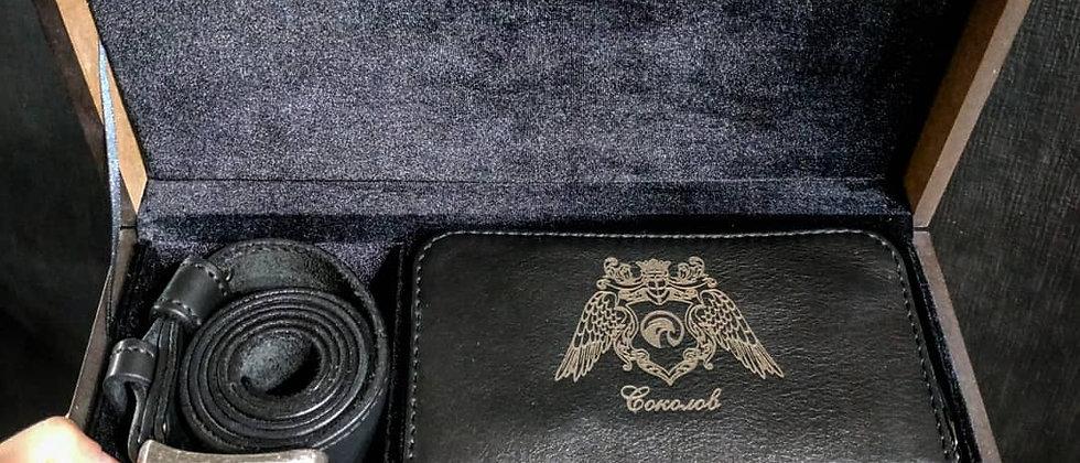Подарочный набор в коробке, ремень + клатч с гравировкой