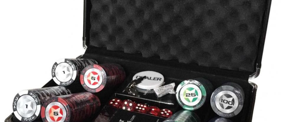 Набор для покера 200 фишек (карты пластиковые Poker Stars)